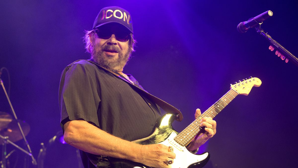 FILE - Hank Williams, Jr. performs in concert at The BB&T Pavilion in Camden, N.J. on Aug. 19,...