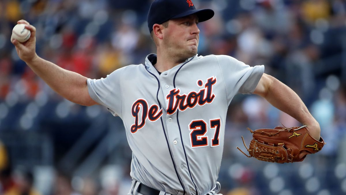 Detroit Tigers starting pitcher Jordan Zimmerman delivers during the first inning of the team's...