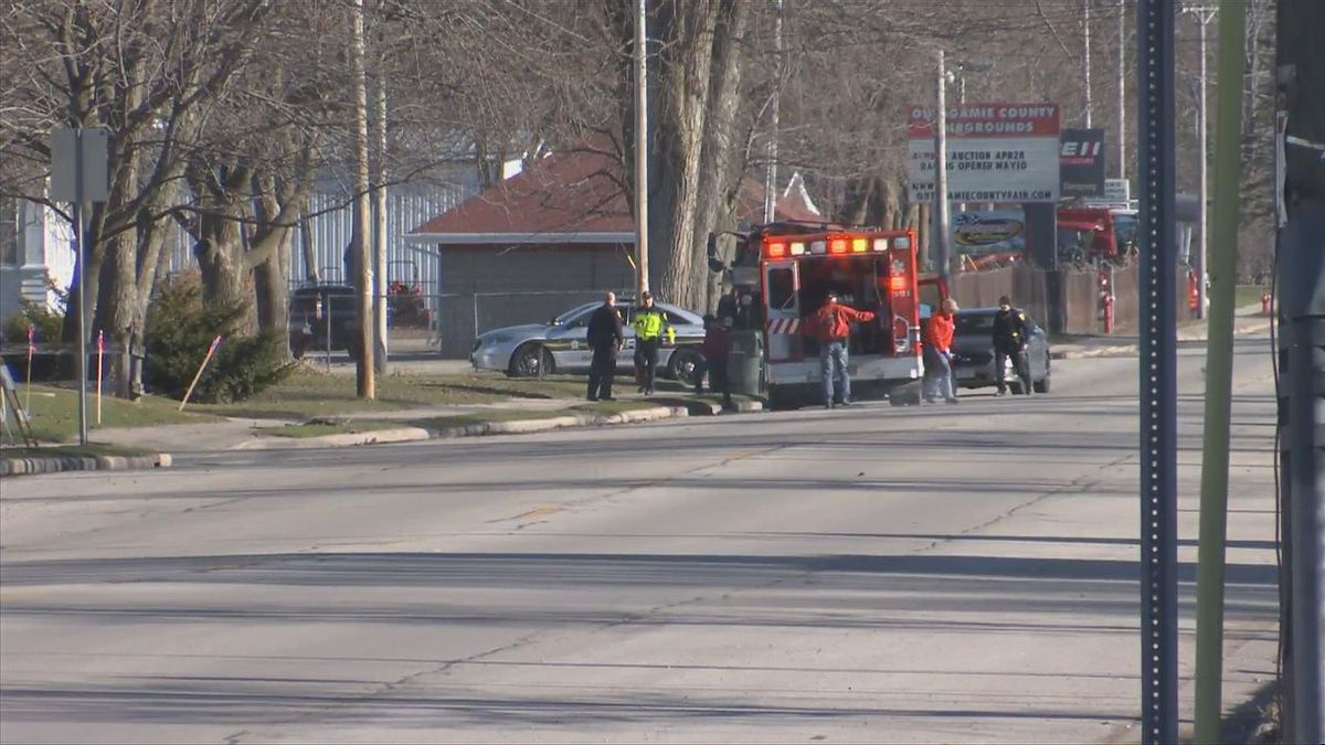 Police and an ambulance crew respond in the City of Seymour on April 19, 2019 (WBAY photo)