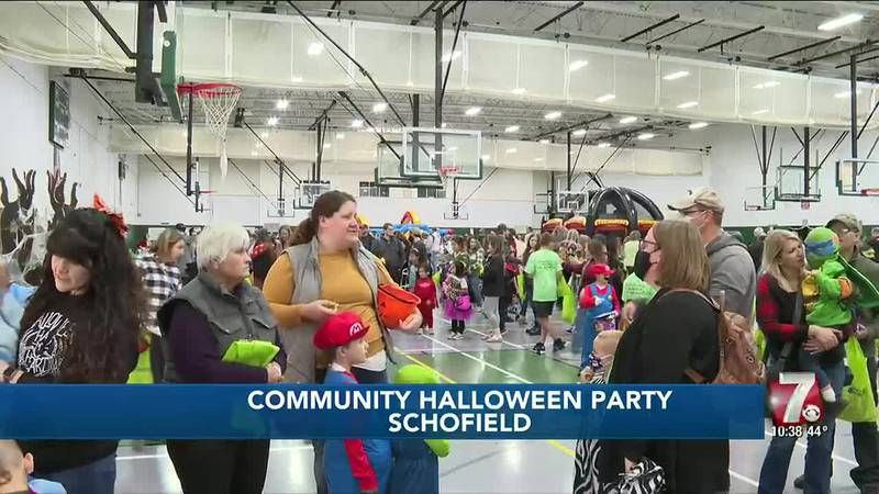 Halloween party in Weston helps area food pantries while offering fun for families