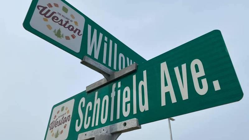 Schofield Avenue sign in Weston