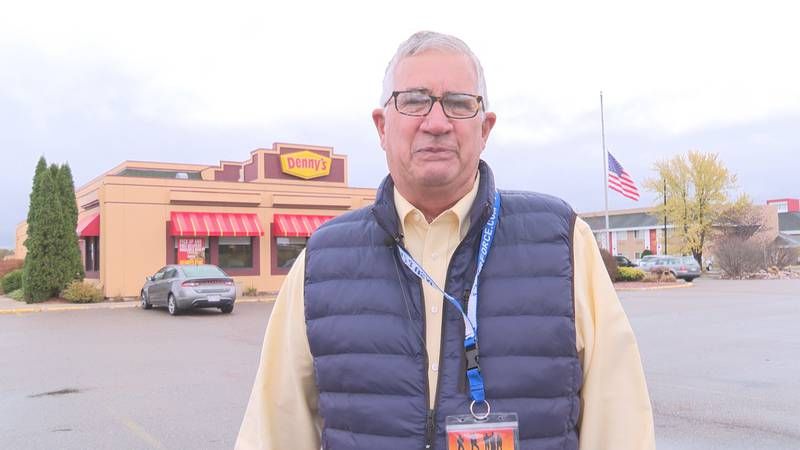 A local air force veteran is collecting free meals at Denny's for other veterans.