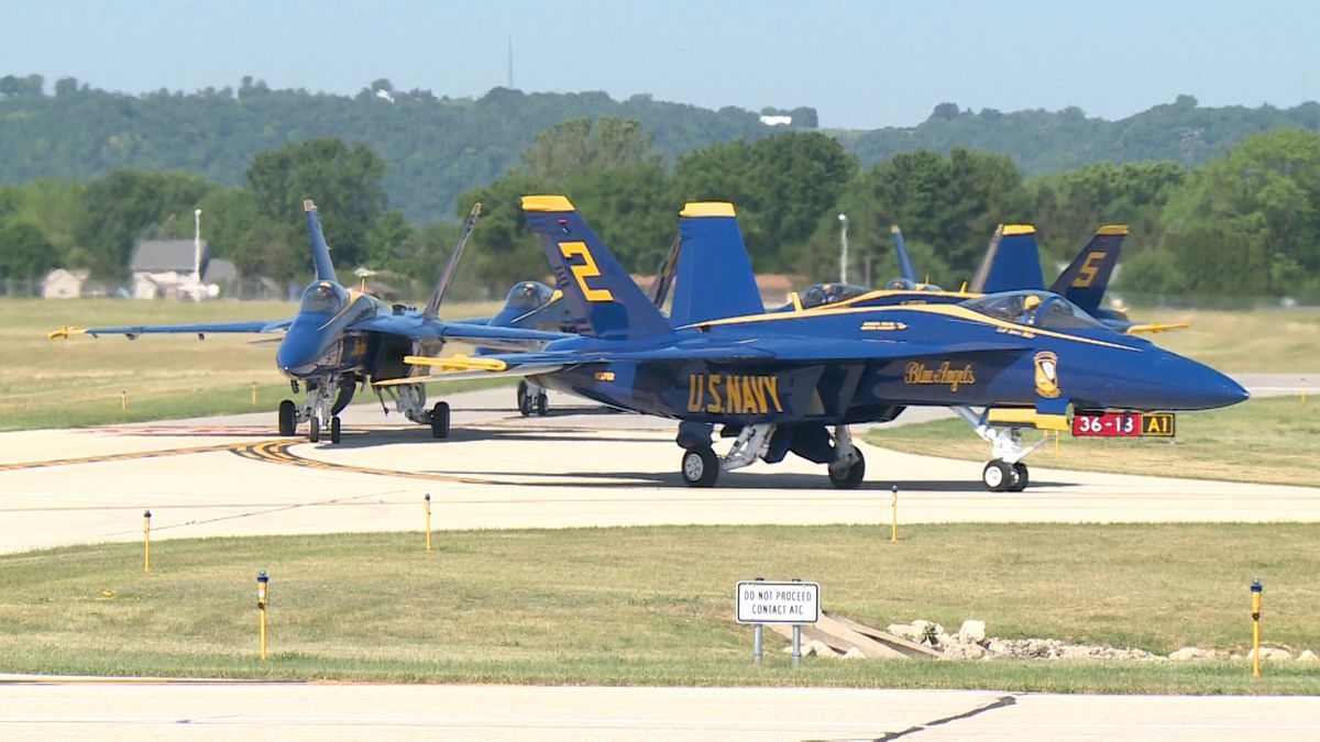 The Navy Blue Angels will be part of La Crosse's Deke Slayton Airfest