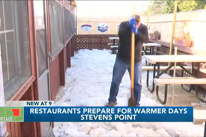 Restaurants prepare for warmer days