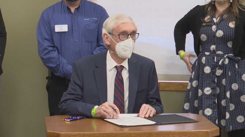 Evers signs pharmacy bill