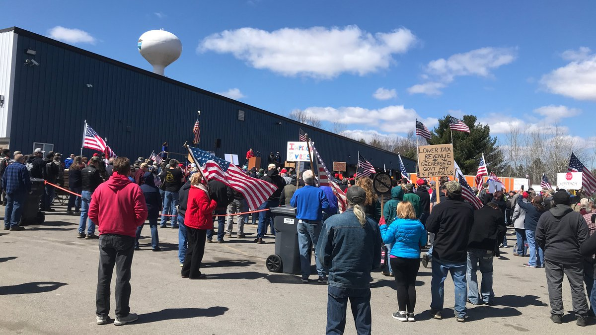 Safer at Home protest in Mosinee, Wis. (WSAW photo)