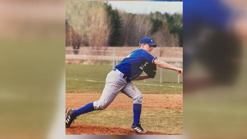 Jordan Zimmermann pitching for Auburndale High School (Photo Credit: Aaron Linzmeier)