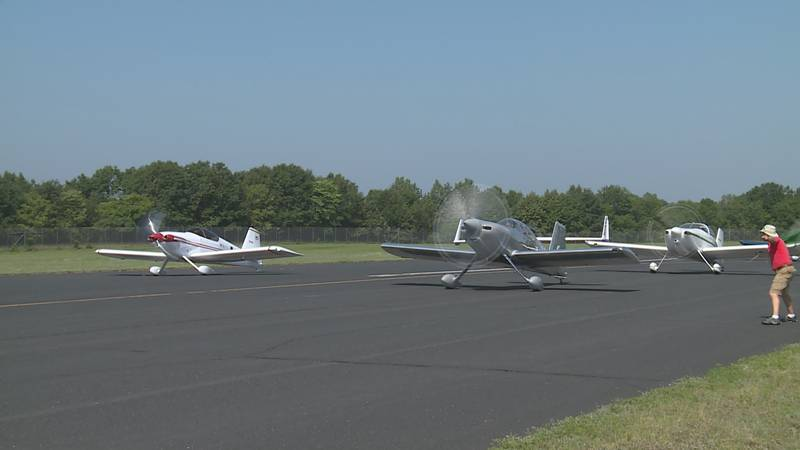 Planes took off Sunday morning at the Wausau Downtown Airport for the annual AirVenture Cup Race.