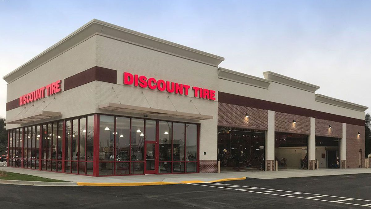 Discount Tire storefront from discounttire.com