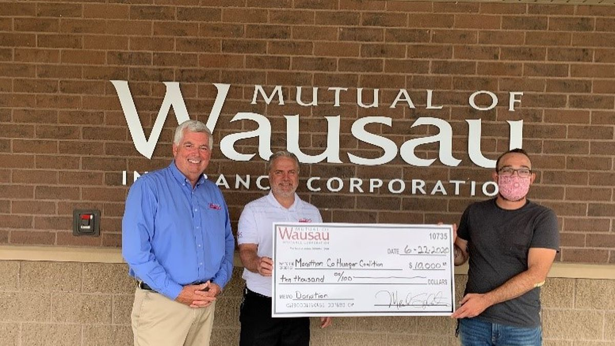 Mutual of Wausau makes donations to local food pantries