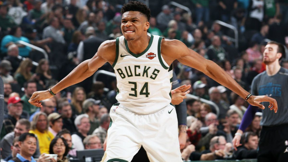 Milwaukee Bucks Official Twitter