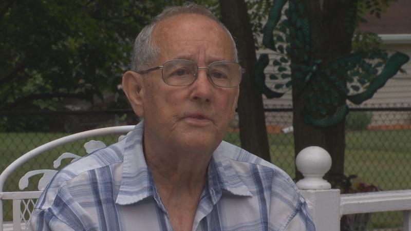 Larry Pleau underwent heart transplant surgery in 1986.