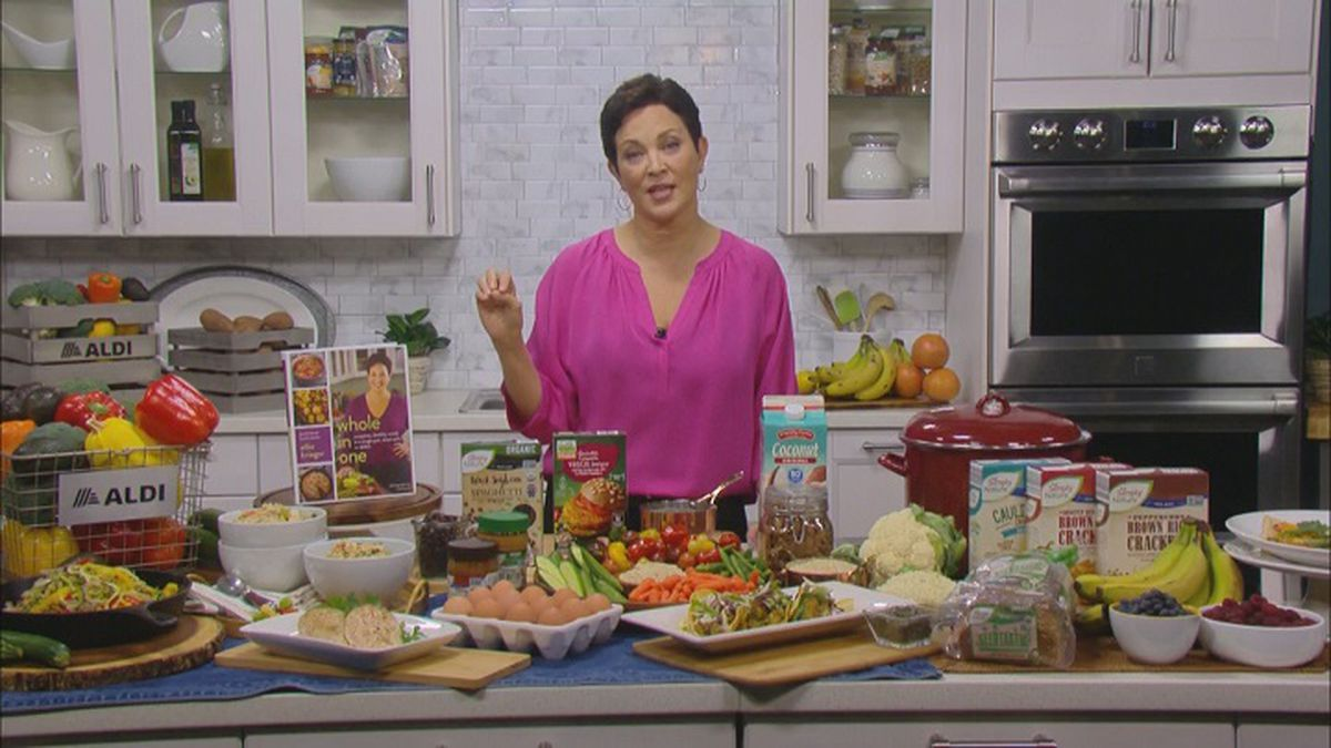 Ellie Krieger, author and nutritionist, shares nutritious meal ideas on a budget (WZAW photo)
