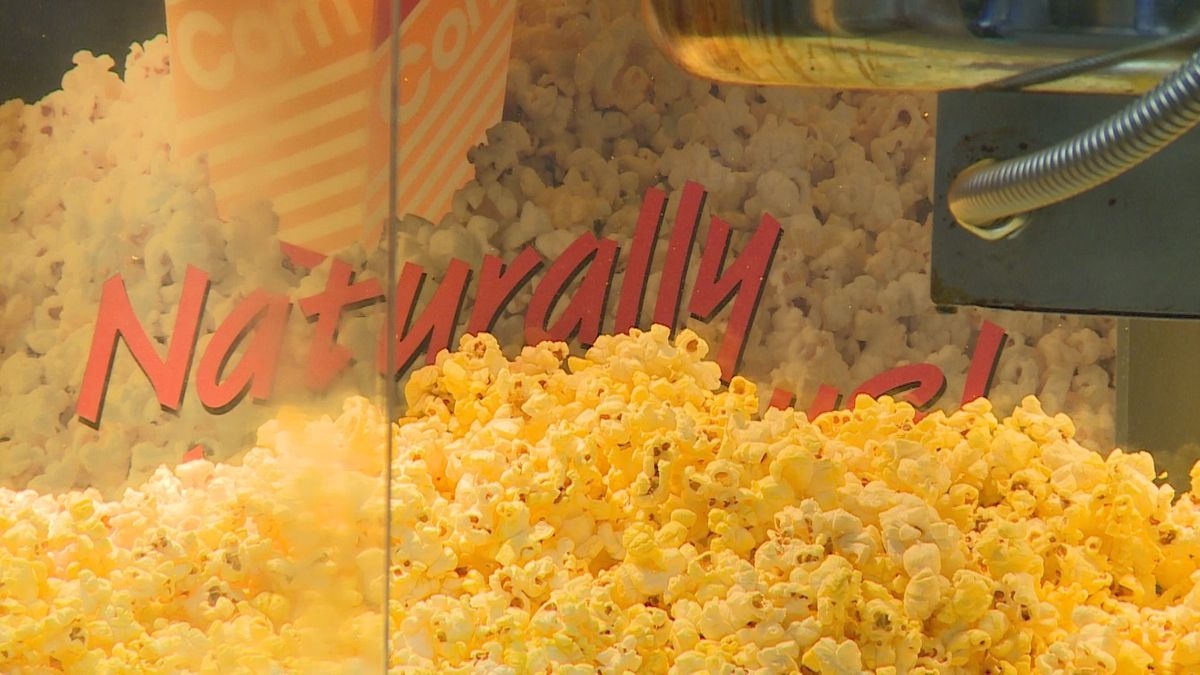 Fresh popcorn at The Cosmo in Merrill. (WSAW photo 5/15/20)