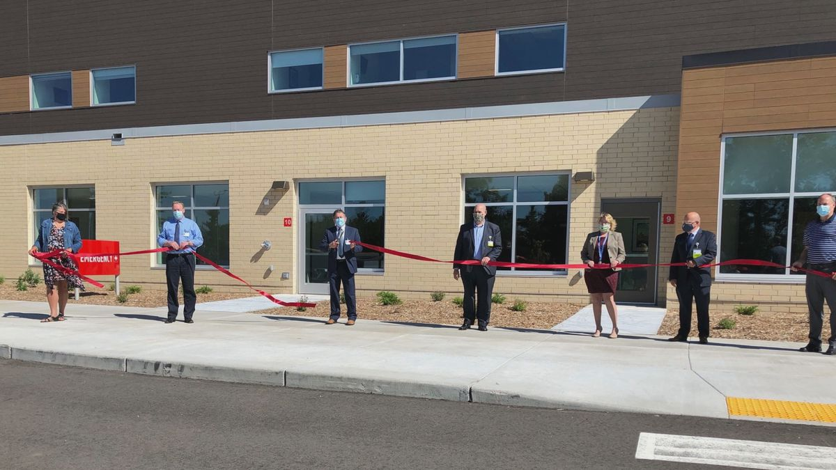 Marshfield Medical Center-Minocqua hosts ribbon cutting ceremony