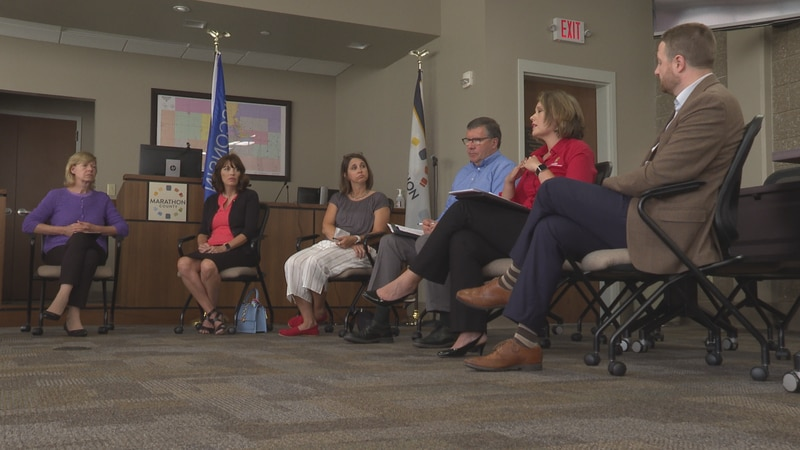 Sen. Baldwin hears Marathon County residents' broadband issues