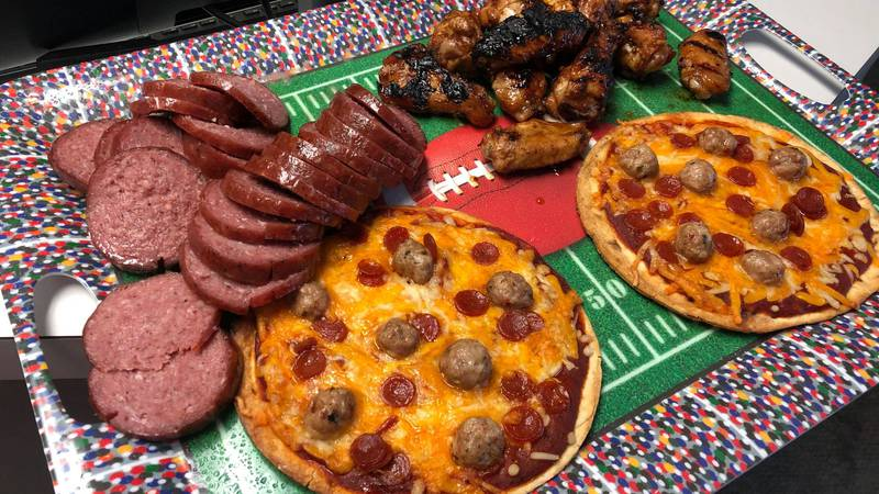Chili Garlic Chicken Wings & Grilled Pizza